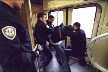medium_Arrestation.2.jpg